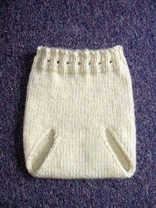 Free Baby Knitting Patterns (kalhoty, plínky, čepičky,...) plus tips on how to knit for babies