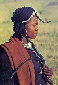 SOUTH AFRICA PANDOLAND PONDO WOMAN POSTCARD HOUSEHOLD AGR