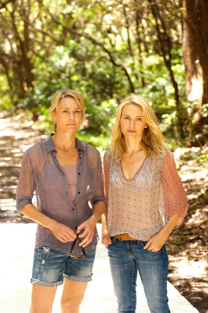 Naomi Watts Robin Wright Adore They Wore Beautiful Outfits In This Movie