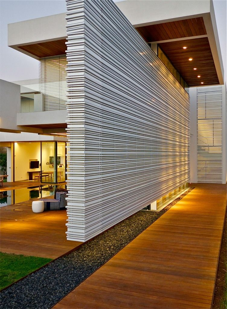 Decoration: Unique Permanent Wall Divider With Wooden Deck For Modern Home With Amazing Exterior Architectural Lighting, Exterior Architectural Lighting, Modern Architectural Lighting ~ Decoise.com