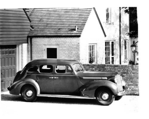 1938-Packard-8-Touring-Sedan