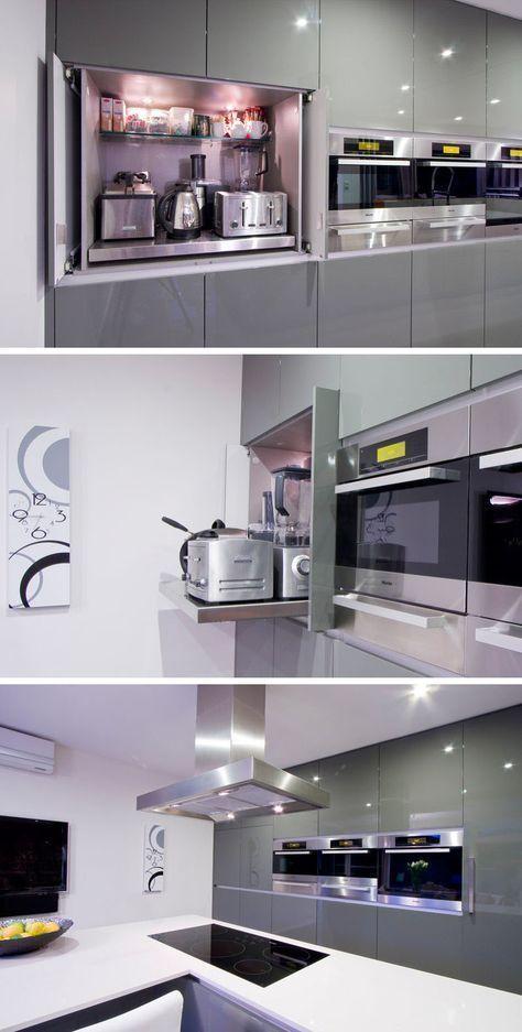 Kitchen Design Idea - Speichern Sie Ihre Küchengeräte in einer Appliance-Garage - Hetty J. #garageideasstorage