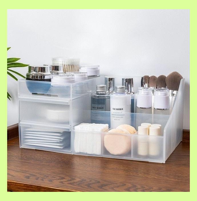 36 Simple Makeup Room Ideas Organizer For Proper Storage Simpleroomideas Simpl 772385 Makeup Org In 2020 Makeup Organization Cosmetic Organizer Cosmetic Storage