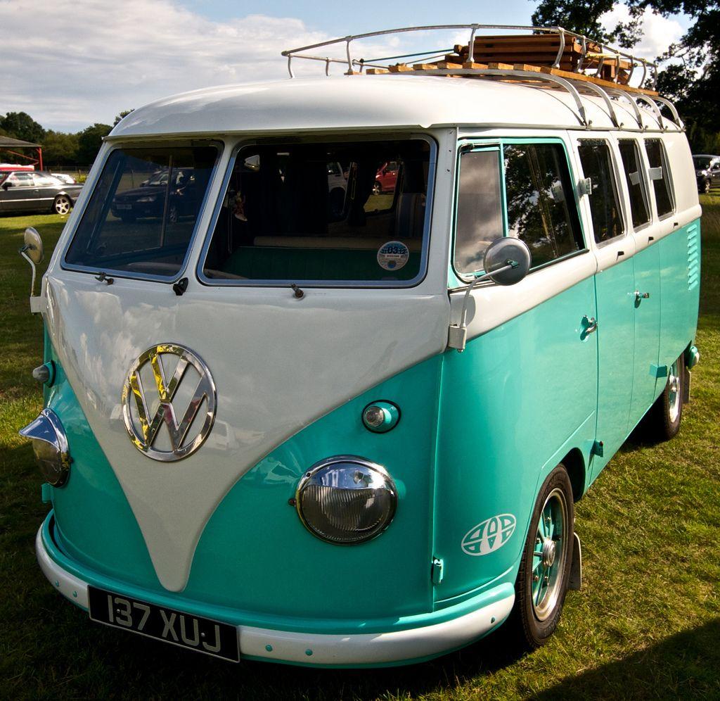 An English Kombi Van Without Window Wipers Vw Camper Van Volkswagen Van