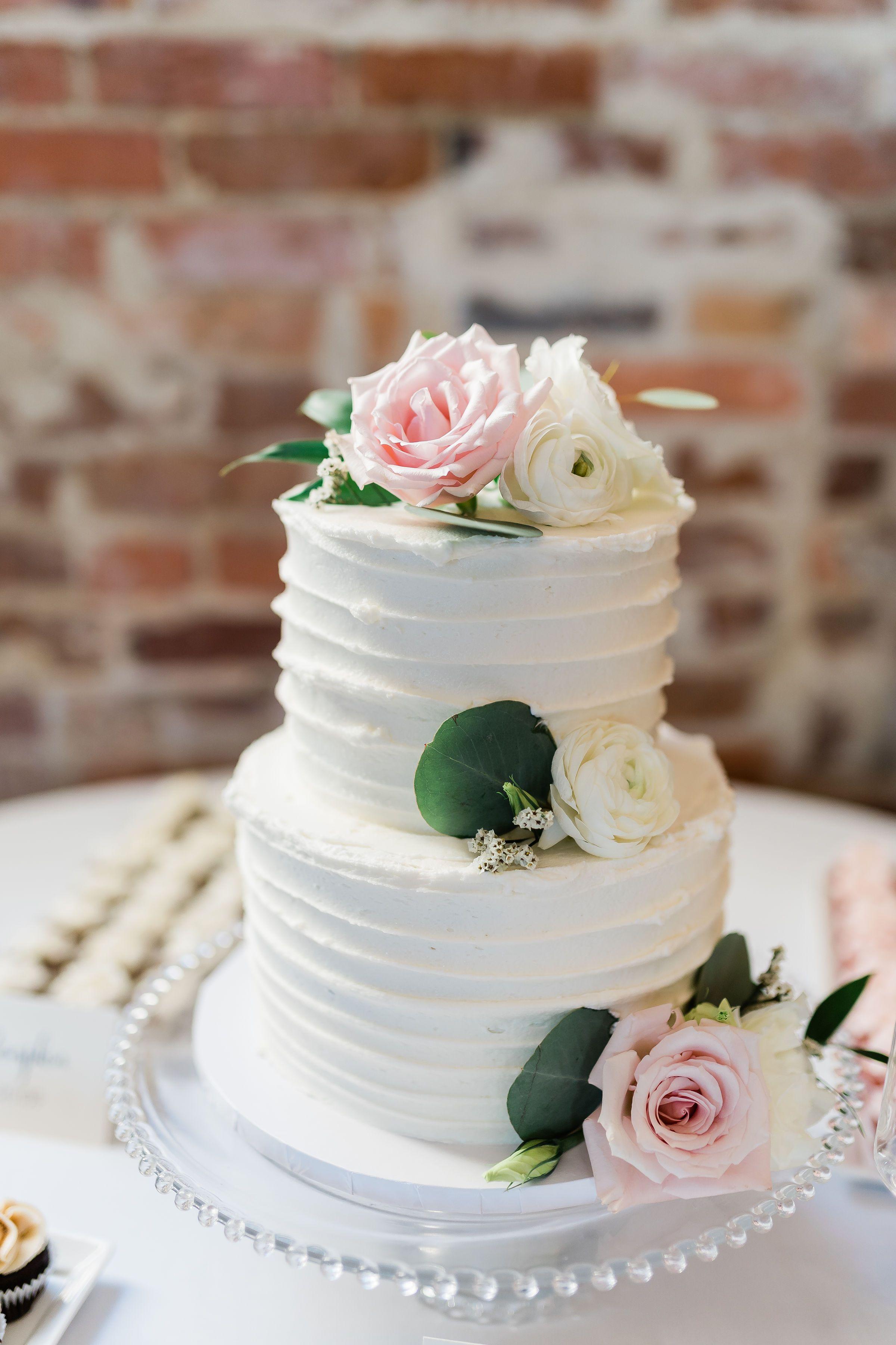 Brooklyn Arts Center Wedding Decor Ideas Wilmington Nc Weddings Wedding Cake Ideas In 2020 Nc Wedding Wedding Cakes North Carolina Wedding