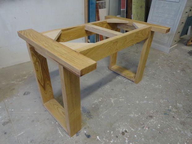 mesa comedor madera castaño estructura
