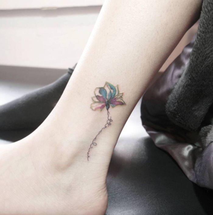tattoo am knoechel bein tattoo fuer frauen kleine blume bunt weiblich tattoo pinterest. Black Bedroom Furniture Sets. Home Design Ideas