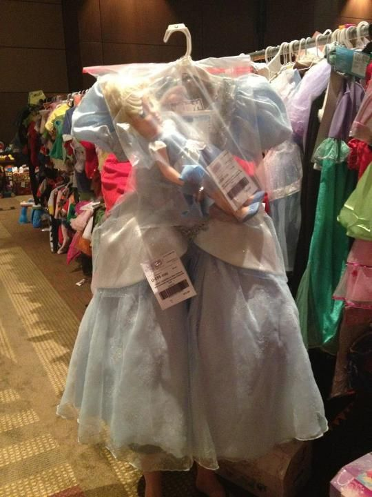 Clothing Sells Great With Matching Accessories Bag The Accessories And Attach The Bag To The Main Cloth Kids Consignment Matching Accessories Consignment Sale