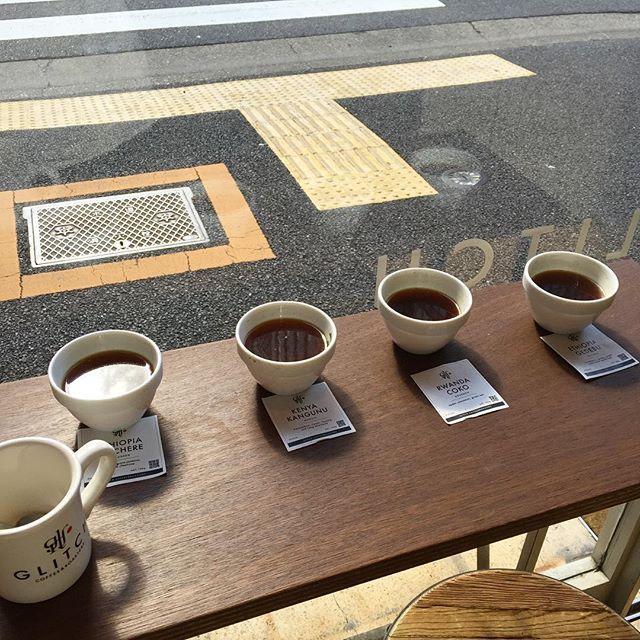 """47 Likes, 2 Comments - Yasushi Ishii (@yaasuuday) on Instagram: """"昨日、久しぶりにカッピング。 エチオピアのコチェレとルワンダのチョコが好きです。どのコーヒーもとてもフルーティーで質感もしっかりあって美味しかったです! #coffee #goodcoffee…"""""""