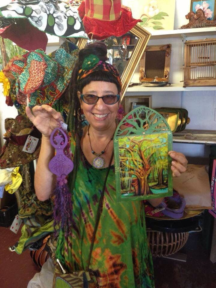 We are proud to welcome Lori Felix, member of the Louisiana Crafts Guild, to the market! We love her work!