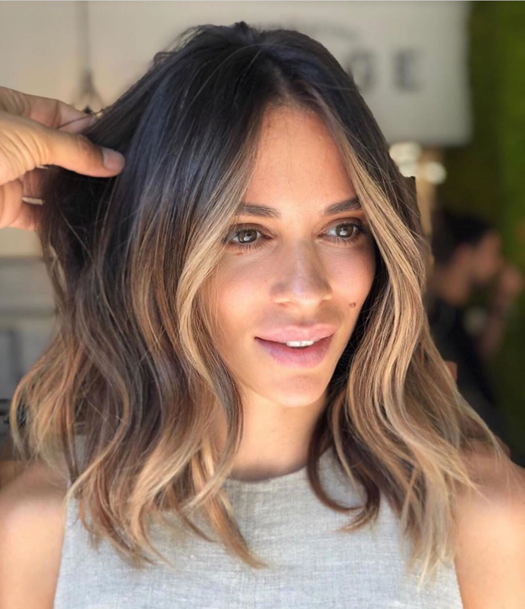 Enissablog On Instagram What S Your Favorite Long Or Short Hair Blo In 2020 Blonde Highlights On Dark Hair Blonde Highlights On Dark Hair Short Short Hair Balayage