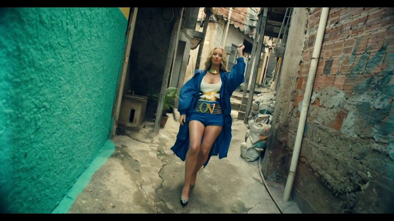 T I Feat Iggy Azalea No Mediocre Official Video Iggy Azalea Music Videos New Music