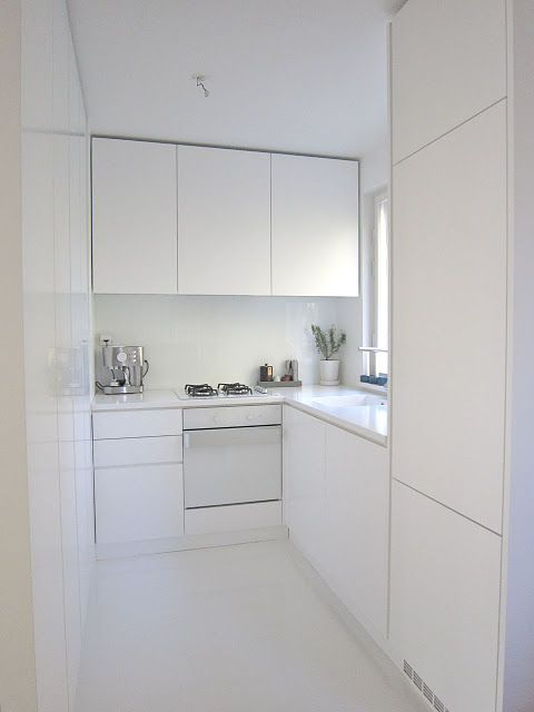 Best 25 Minimalist Small Kitchens Ideas On Pinterest Minimalist Style Kitchen Layouts