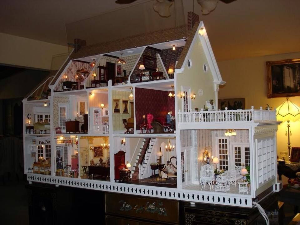 Dollhouse With Lights Miniatures One Twelve Scale Figures And