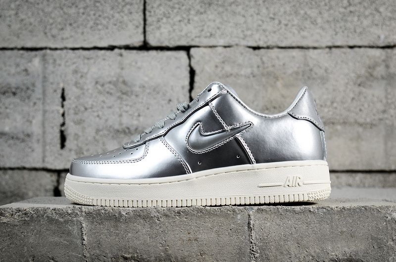 the best attitude d0498 b386c UK Trainers 2018 Nike Air Force 1 Low Metallic Silver Liquid Silver Youth  Big Boys Shoes