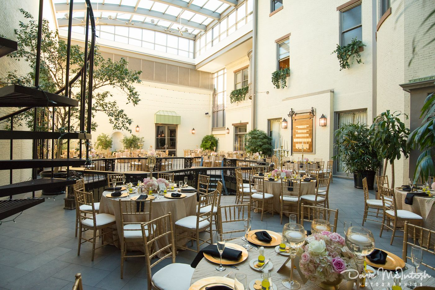 A Fun Light And Bright Summer Reception At The Engineers Club In Baltimore