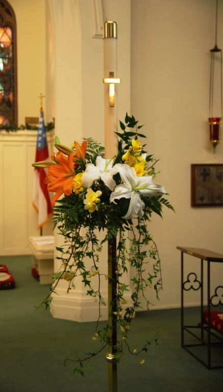 Easter Sunday Paschal Candle Flower Ideas Easter Altar