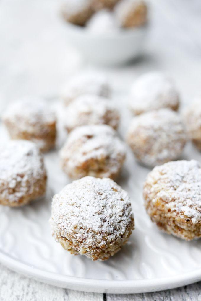 Gesunde Zimtkugeln mit Datteln und Mandeln für den Plätzchenteller #gesundesessen