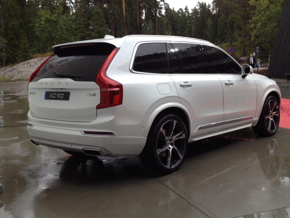 2016 volvo xc90 is an suv sized reboot of the volvo brand. Black Bedroom Furniture Sets. Home Design Ideas