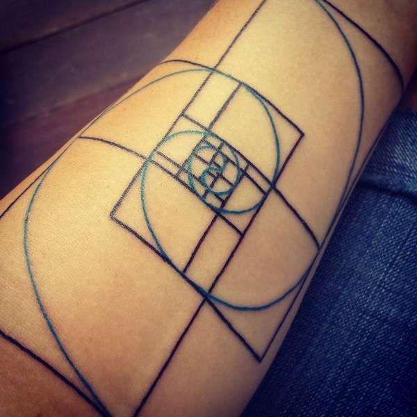 Fibonacci Spiral Tattoo: Fibonacci Spiral Tattoo - Google Search