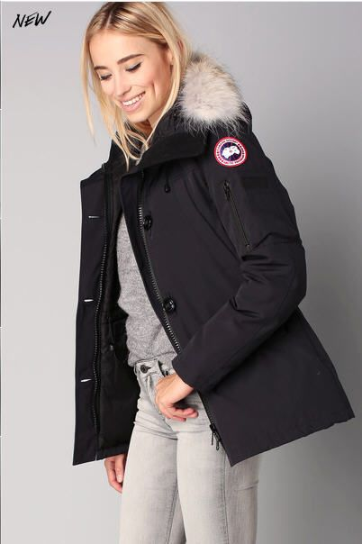 parka navy capuche vraie fourrure montebello canada goose. Black Bedroom Furniture Sets. Home Design Ideas