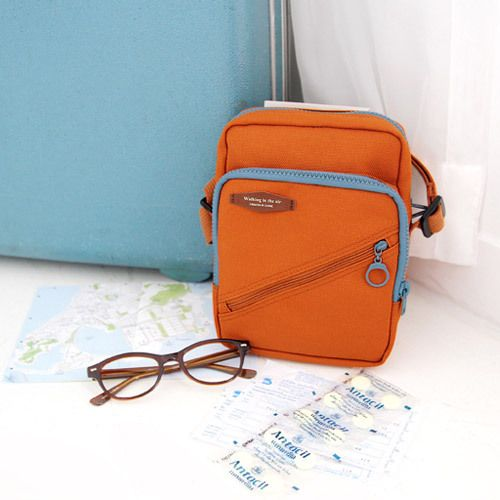 Iconic iPad mini pocket travel shoulder bag | iPad mini, Shoulder ...