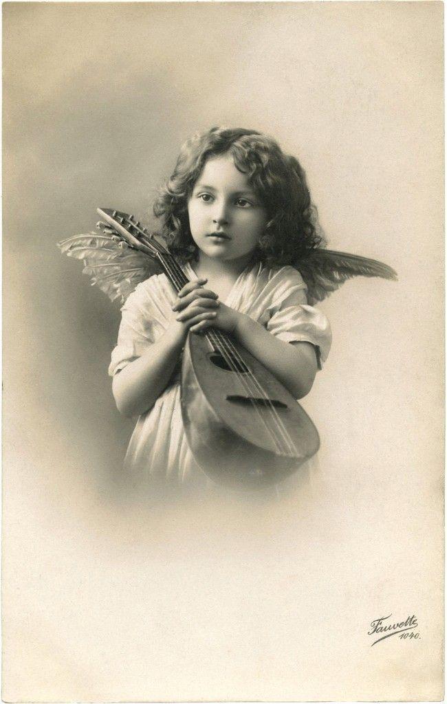 Черно белые открытки с ангелом