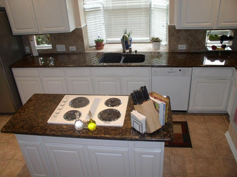 Nice Baltic Brown Granite Countertop And Baltic Brown Granite Island Top With White  Cabinets And Diagonal Set