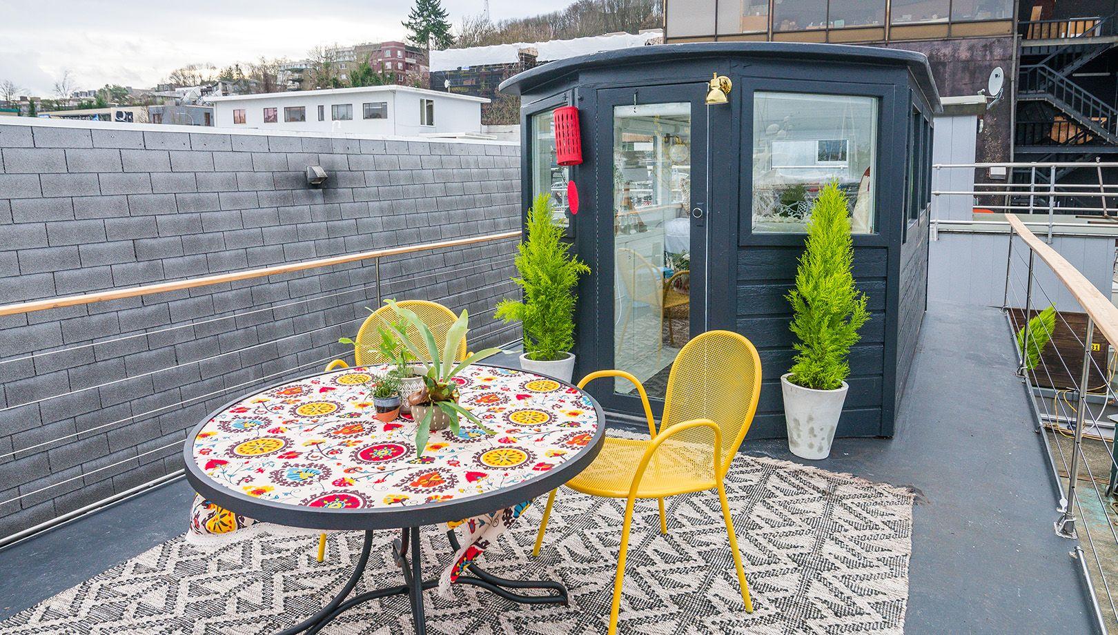 Interior Designer Genevieve Gorder Transforms Seattle Houseboat