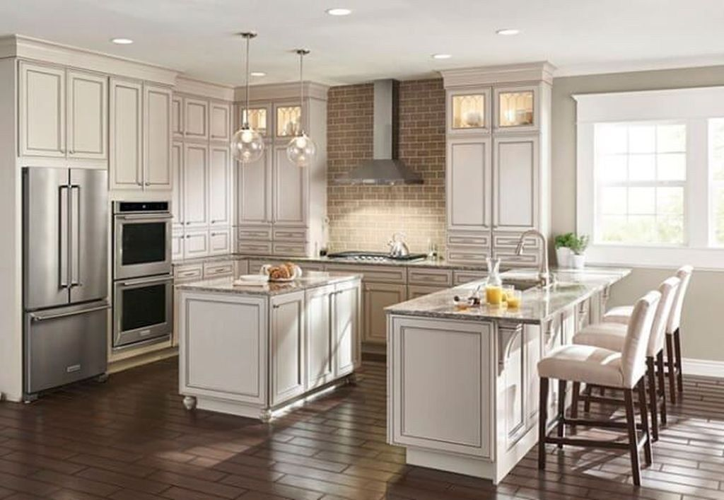 Astonishing U Shaped Kitchen Remodel Ideas 26 99bestdecor Modern Kitchen Design U Shaped Kitchen Kitchen Remodeling Projects