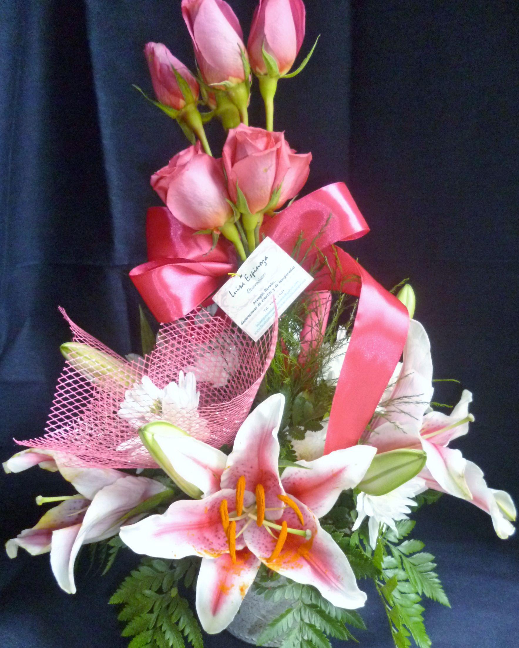 Arreglo Floral De Rosas Y Lirios Arreglos Bouquet