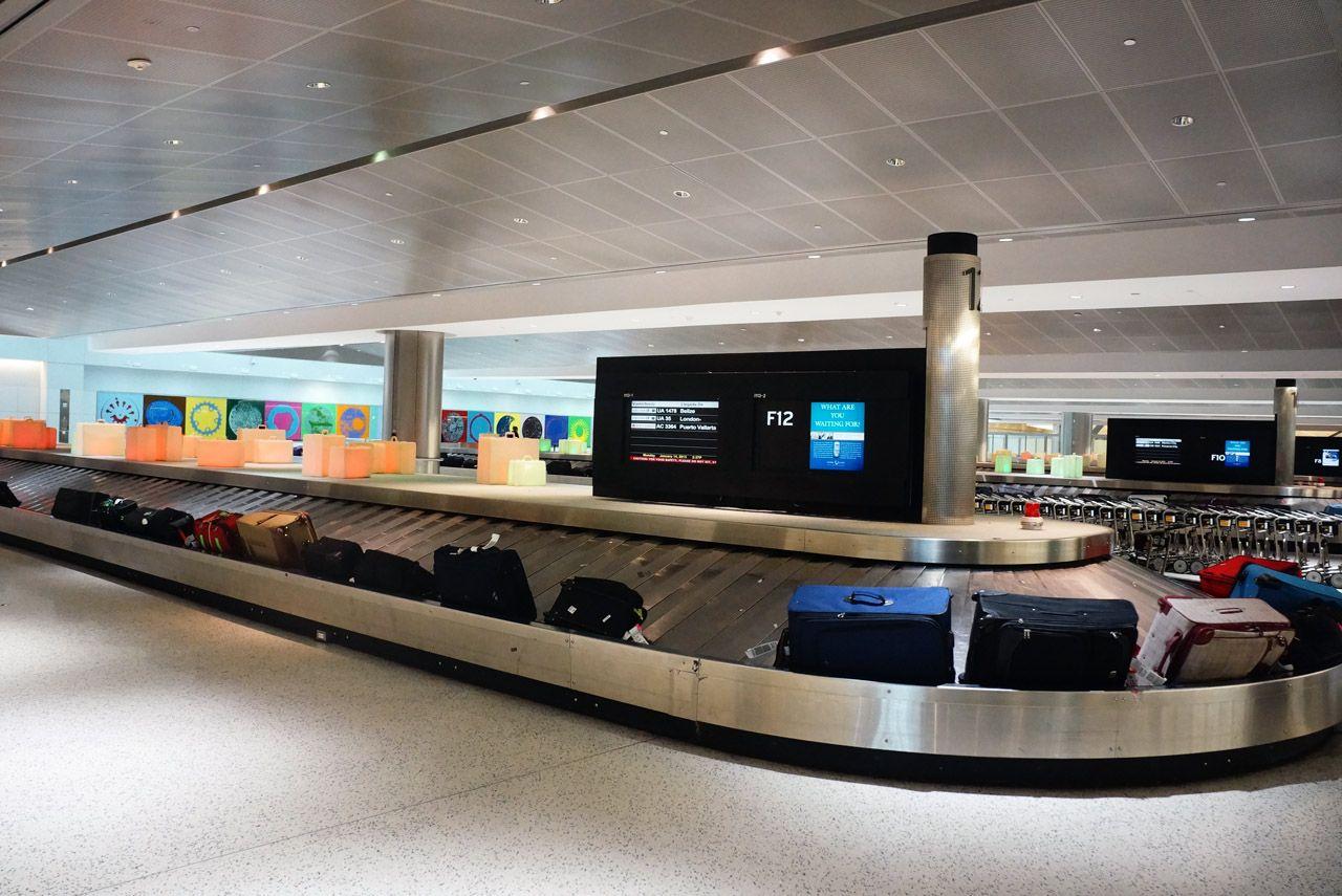 Terminal E Baggage Claim at George Bush Houston ...