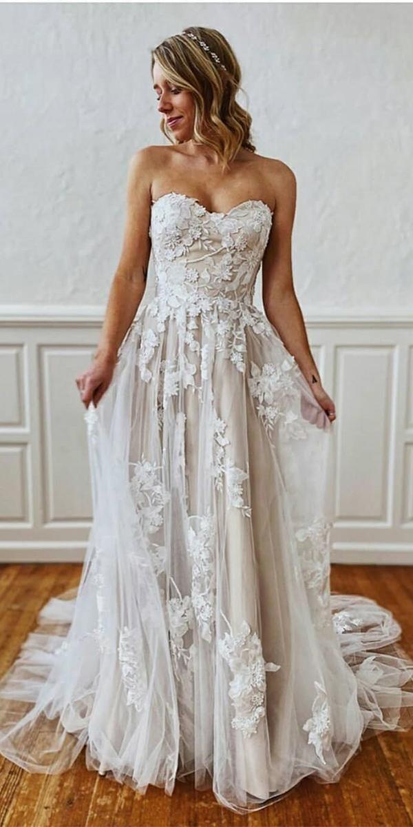 24 Unforgettable Beach Destination Wedding Dresses | Wedding Dresses Guide