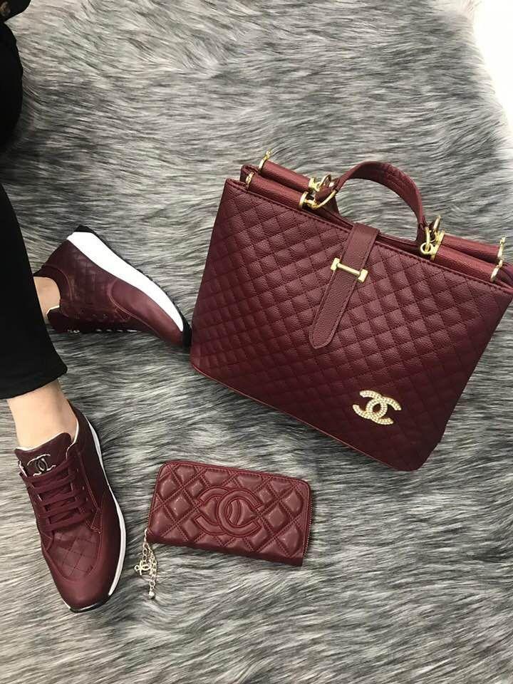 Photo of The chic technology: Burgundy Chanel handbag, wallet.