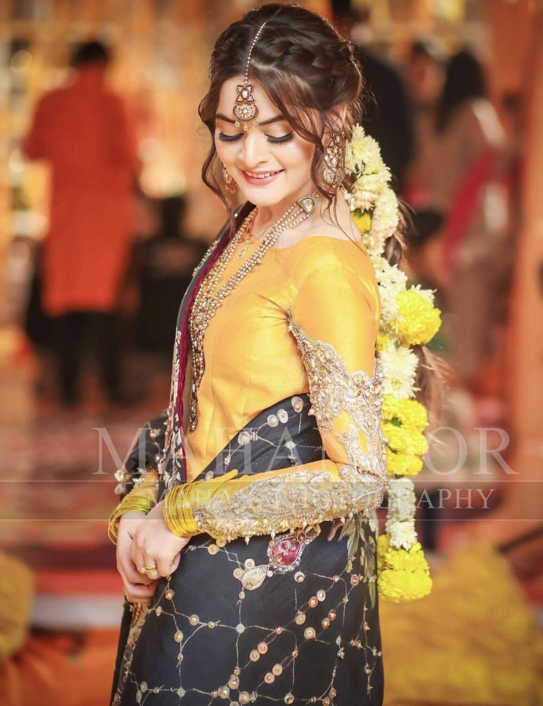 Brides sister at the mayoon | Women's fashion in 2019 | Bridal