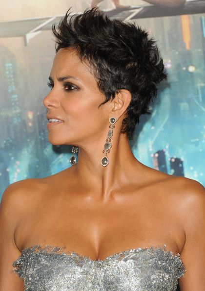 Halle Berry Short Hairstyles halle berry short messy hairstyle More Pics Of Halle Berry Pixie