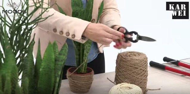 DIY: een plantenrek maken van betongaas en plantenpotjes bekleden met touw.