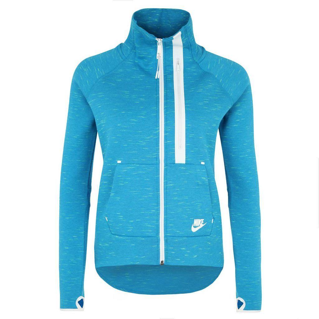 #Nike #Damen #NIKE #Tech #Fleece #Moto #Freizeitjacke #Damen #blau - Tech Fleece Moto Freizeitjacke Damen Wärme, geringes Gewicht und grenzenloser Style für den Alltag. Dies sind die Pflichtattribute der Tech-Serie aus dem Hause Nike, welche mit immer neün Farben und modischen Styles die Szene klar beherrscht. Details: Ein hoher Stehkragen mit Reißverschluss bis zum Kinn sorgt für wohlige Wärme / Der deutlich verlängerte Saum garantiert Schutz vor Wind und zudem modischen Look / Die…