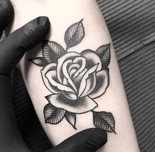 Cool 766 Me Gusta 3 Comentarios Bold Will Hold Firenze Boldwillhold Tattoo En Instagram Rose Tattoos For Men Small Rose Tattoo Traditional Rose Tattoos