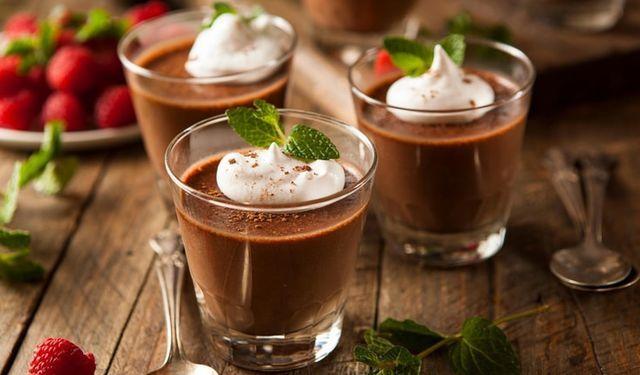 VIDEOrecept: Nadýchanú čokoládovú penu pripravíte len z 2 surovín | DobreJedlo.sk