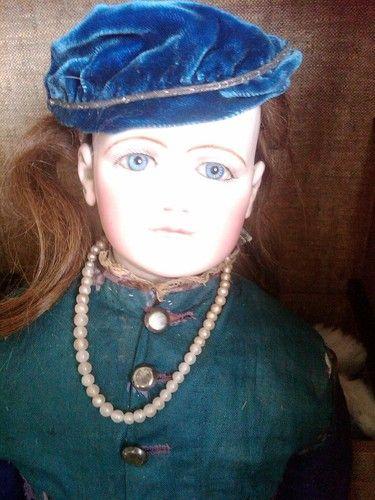 "22"" Jumeau Portrait Fashion, early period between bebe & poupee"