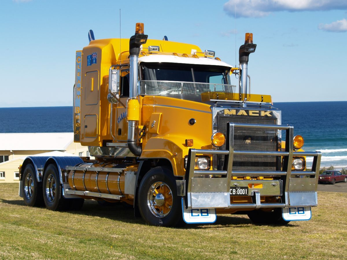 mack titan trucks customis s mack trucks show trucks dump trucks  [ 1200 x 900 Pixel ]