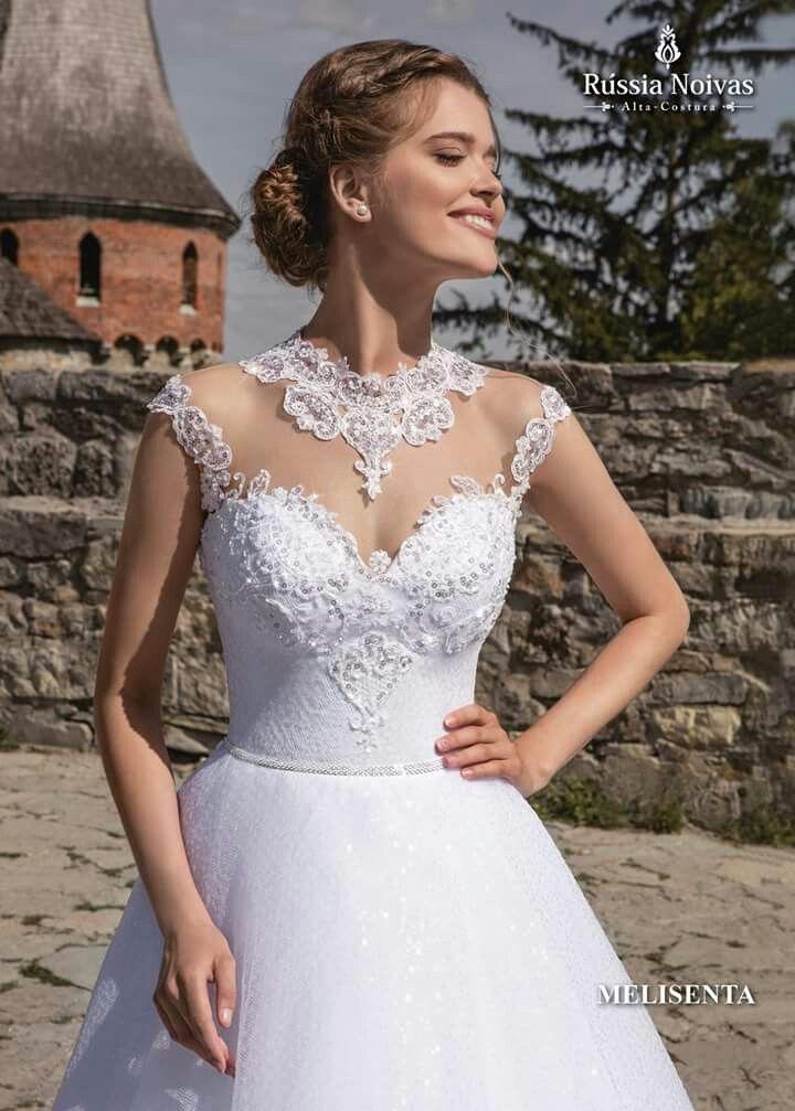 MELISENTA: O vestido Melisenta foi feito para as noivas que desejam brilhar no seu casamento. Para saber mais, acesse: www.russianoivas.com #vestidodenoiva #vestidosdenoiva #weddingdress #weddingdresses #brides #bride