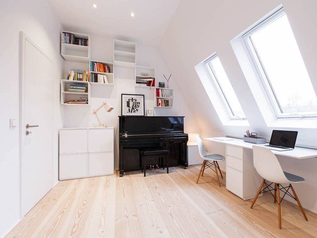 Pur Natur Auf Instagram We Regularly Gaze At The Images Of This Apartment In Berlin Pur Natur Douglas Boards Ar In 2020 Attic Renovation Attic House Attic Apartment
