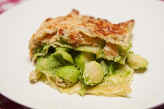 aMuse Rouge: Groene lasagne met gerookte zalm (met spruitjes en broccoli) http://amuse-rouge.blogspot.be/2014/01/groene-lasagne-met-gerookte-zalm.html
