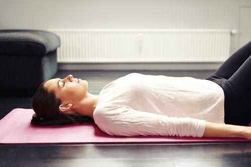 savasana o postura del cadáver  insayoga  yoga nidra