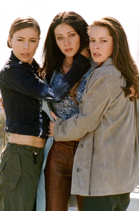 Charmed 2013 Update Photo Gallery – Alyssa Milano, Holly Marie Combs, Shannen Doherty, Rose McGowan and Kaley Cuoco | DVDbash #combs