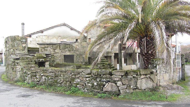 Venta Casa Tipica Gallega Camino De Santiago Amoeiro Realstate Inmobiliaria Casas Galicia Caminodesanti Casas En Venta Inmobiliaria Paradas De Autobuses