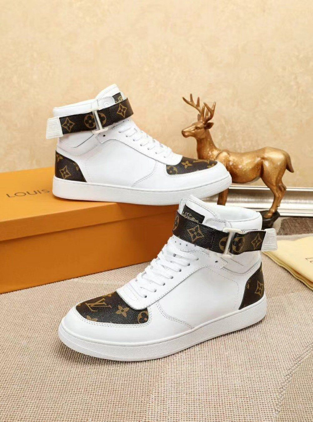 3df58c7130ac Louis Vuitton RIVOLI SNEAKER Men 1A3MS9