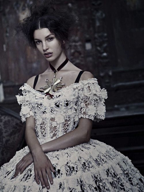 Kate King by Paolo Roversi - Vogue Italia: September 2012 - Alta Moda: Dolce  Gabbana una storia Italiana